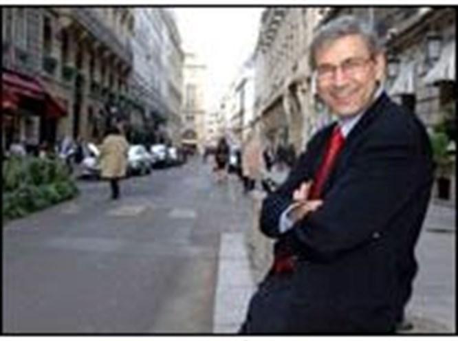Nobel'li yazarlardan Pamuk'a destek